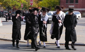 Everything You Wanted to Know About Hasidic Jews' Clothing But Were Afraid to Ask