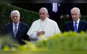 Pope Francis, Mahmoud Abbas and Shimon Peres Come Together to Pray for Peace