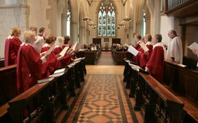 Female Bishops Further Divide Vatican and Church of England