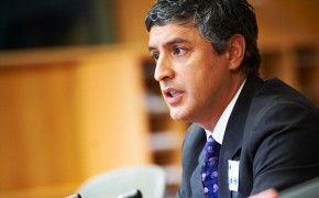 Reza Aslan – Who is the Defender of Islam and Religion?