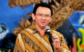 Indonesia's First Christian Governor in 50 Years Sworn Into Office