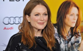 Actress Julianne Moore announces she's an atheist