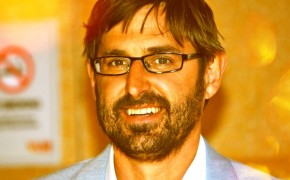 Louis Theroux Says Church of Scientology making a documentary about him