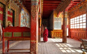 Colin Miller's Striking Photography of Buddhist Monasteries