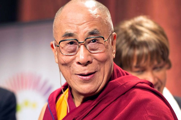 By *christopher* (Flickr: dalailama1_20121014_4639) [CC BY 2.0], via Wikimedia Commons