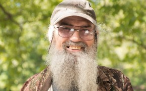 Si Robertson Says Atheists Don't Exist During Talk of New 'Faith of Our Fathers' Film