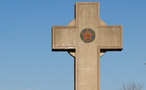 Atheists and Muslims Want Cross Memorial Taken Down