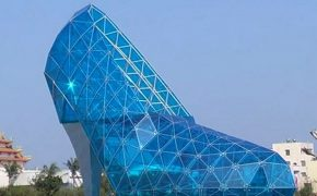 Giant Church Shaped Like Glass Slipper Hopes to Attract Women