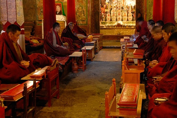 Monks Prayer Tibet Gyantse Buddhism Monastery