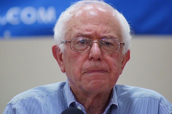 By Marc Nozell from Merrimack, New Hampshire, USA (bernie-sanders-franklin-nh-20150802-DSC02607) [CC BY 2.0], via Wikimedia Commons