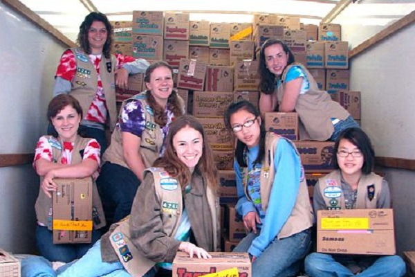 By The U.S. Army (Girl Scout cookies for the troops) [CC BY 2.0 or Public domain], via Wikimedia Commons