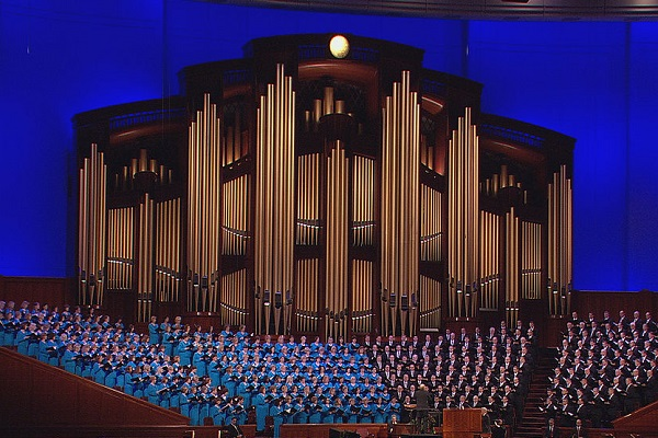 New Twist on an Old Classic: Christmas Music for Easter Sung by the Mormon Tabernacle Choir