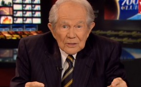 "Pat Robertson Says Most Transgenders are a ""Fraud"""