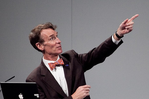 By Ed Schipul (originally posted to Flickr as Bill Nye) [CC BY-SA 2.0 ], via Wikimedia Commons