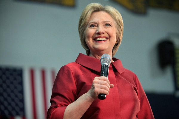 Hillary Clinton Aims to Win Over Mormons with Op-Ed in Newspaper