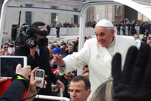 pope-francis-707395_640