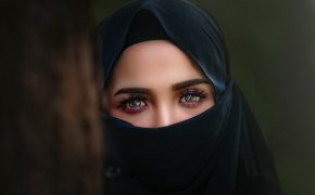 Muslim Woman Asked to Remove Veil at Family Dollar Store