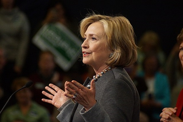 """Highlighting Her Core Christian Beliefs, Hillary Clinton Will """"Pray With You"""""""