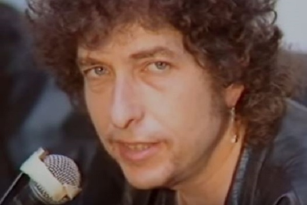 What Religion Does Nobel Prize Winner Bob Dylan Practice?