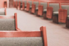 20% Drop in Christians Identifying with Protestant Denomination