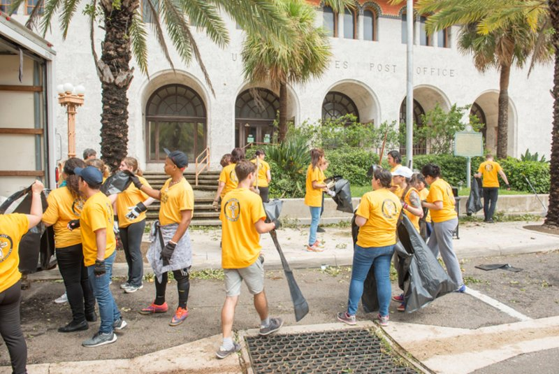 Volunteer Ministers Cleaning Up