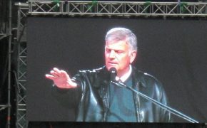 Franklin Graham on NFL Controversy