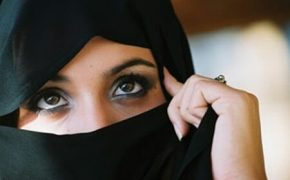 Quebec Bans Face Coverings in Public