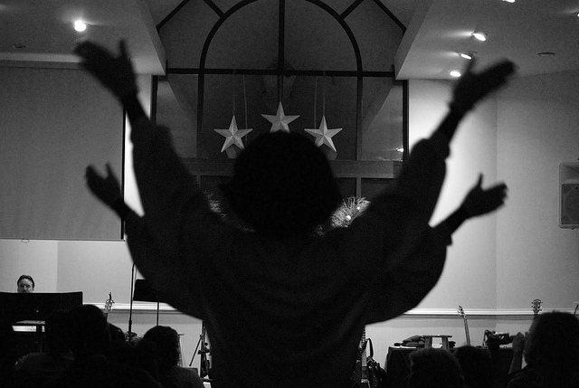 China Now Arresting Families For Private Christian Worship