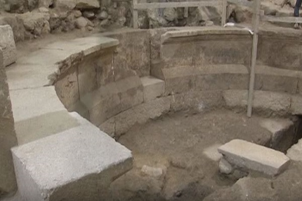 Section of Western Wall and Roman Odeon discovered in Old City