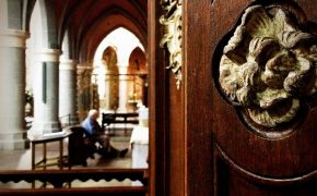 Should Catholic Confessionals Be Confidential?