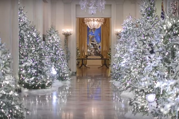 after trump declares to end war on christmas white house unveils christmas decorations