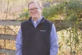 Kim Davis Challenged By Gay Man She Denied Marriage Certificate