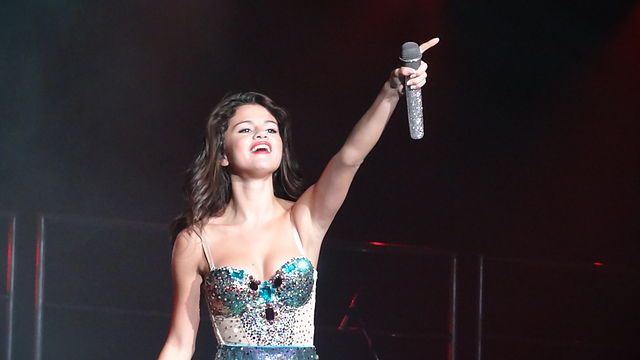 Selena Gomez Says She is A Child of God - World Religion News