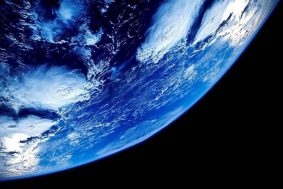 """UK Ultra-Orthodox Jews Refuse to Teach the """"Lie"""" that Earth is 4.5 Billion Years Old"""
