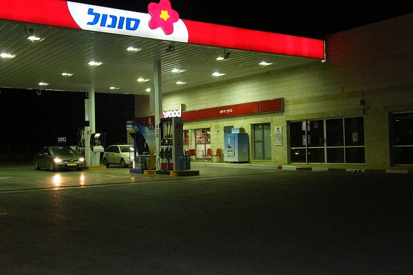 Israel Law on Shopping Heats Up Fight Between Religious and Secular Jews