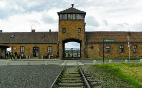 Nazi Auschwitz Accountant Has Died