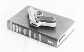 Pastor Encourages Parishioners to Carry Guns at His Church