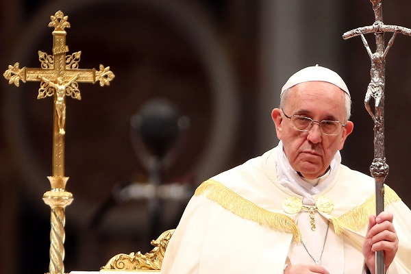 Pope Francis Refuses to Speak on Claims That He Covered up Abuse, Archbishop Viganò Calling for Pope's Resignation
