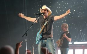 Brad Paisley and Wife Team with Christian University to Open Free Grocery Store for Those in Nashville