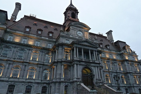 Montreal Removing the Crucifix from City Chambers