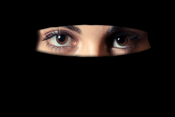 Sri Lanka Bans Muslim Face Coverings