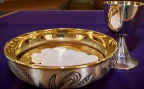 Only 31% of U.S. Catholics Believe Bread and Wine Become the Blood and Body of Christ