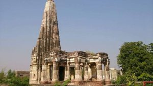 Jagannath (Vishnu) Hindu Temple in Sialkot, Pakistan, one of first temples to be restored and returned to Hindus. Photo by Neweditorpk, CC