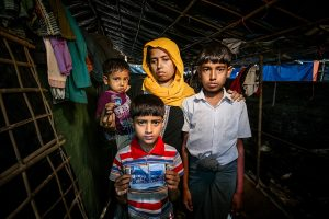 A displaced Rohingya family Photo By Saahmadbul CC